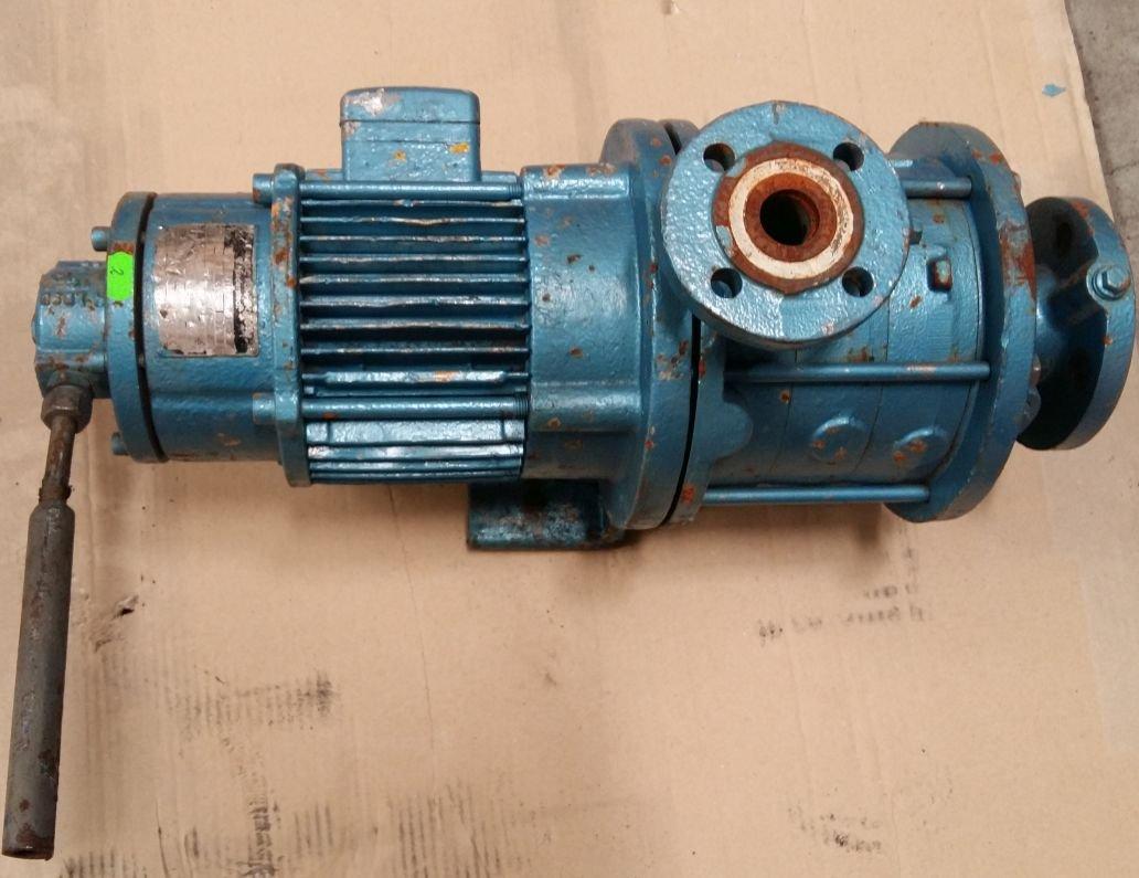Vodné čerpadlo, chladnička 3 kW 2735 RPM.