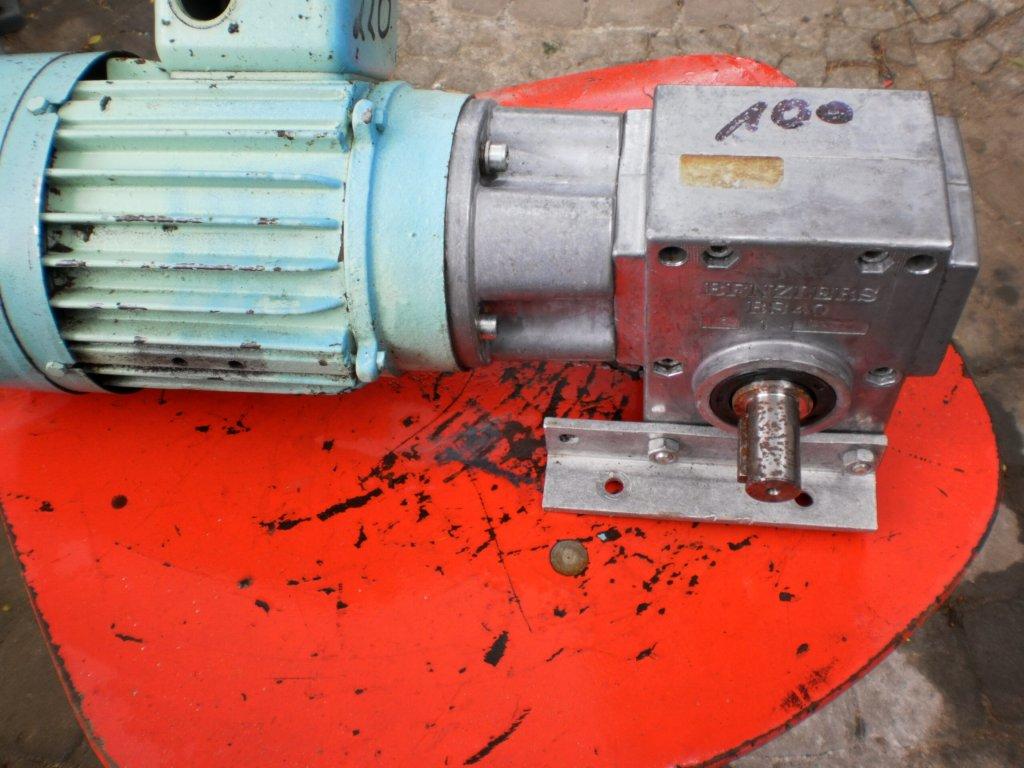 Najnowsze motoreduktor 90 obr 1 faza maszynka do miesa 22 - 7085201010 DT92