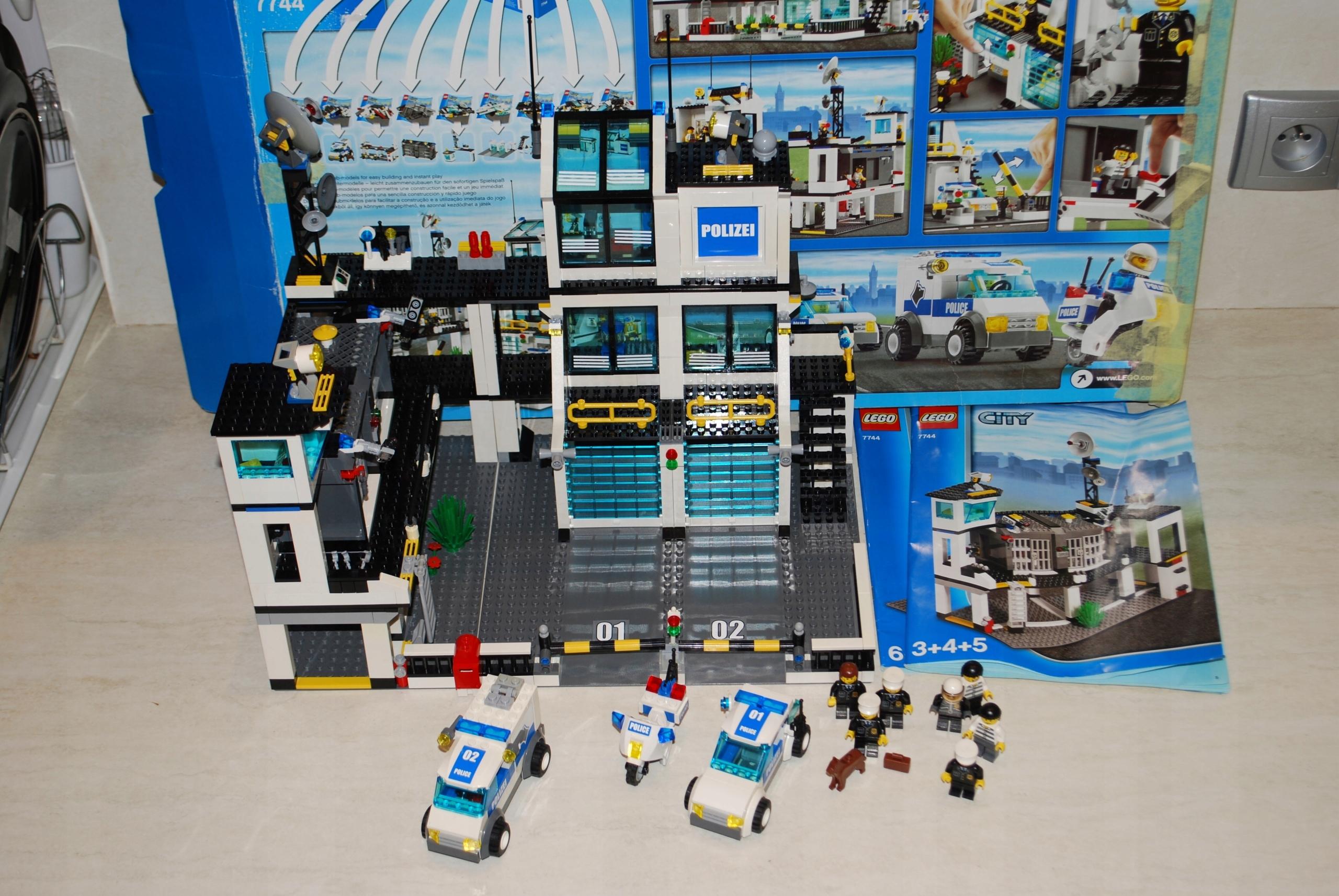 Lego City 7744 Komisariat Policji 7602770177 Oficjalne Archiwum