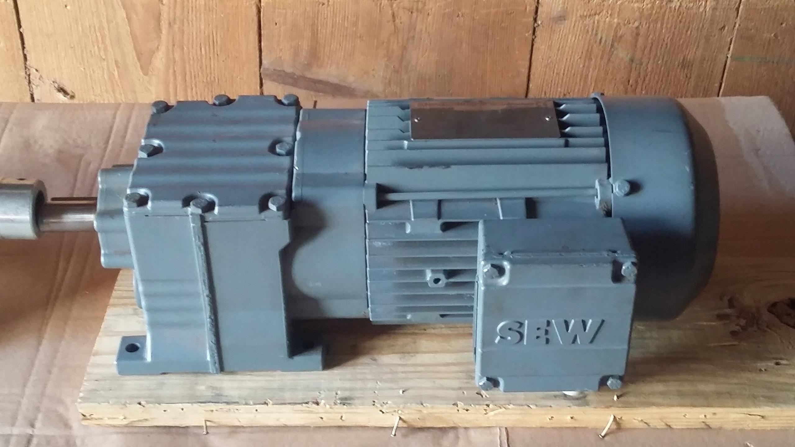 Wybitny MASZYNKA DO MIĘSA 32 ALFA Z MOTOREDUKTOREM NA 380V - 7600579551 UU22