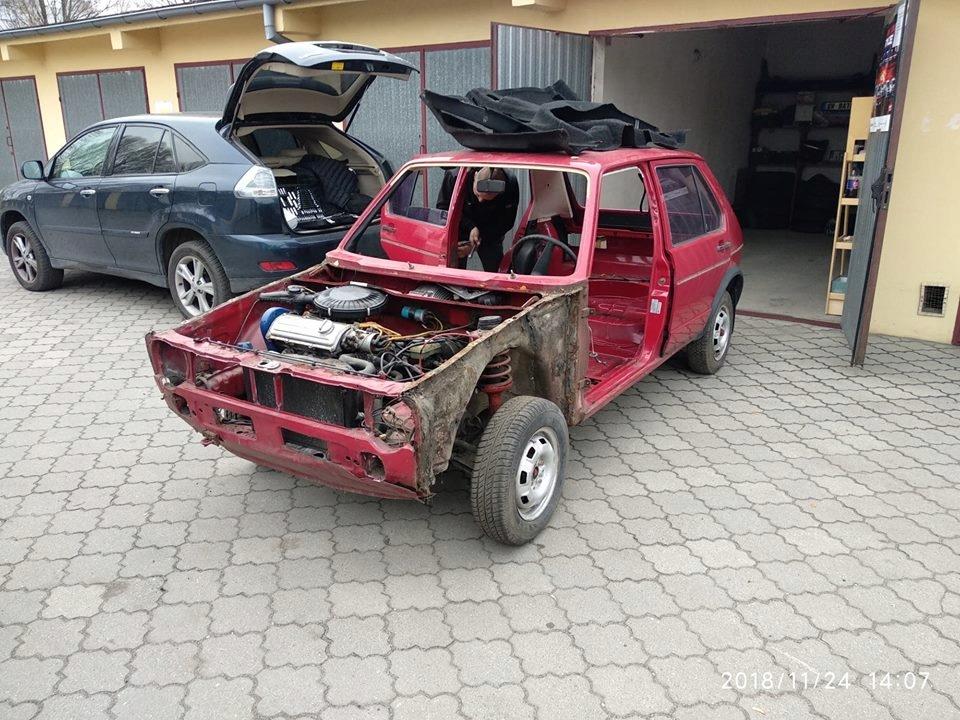 VW Golf I MK 1 KAROSERIA BEZ SILNIKA 5 DRZWI