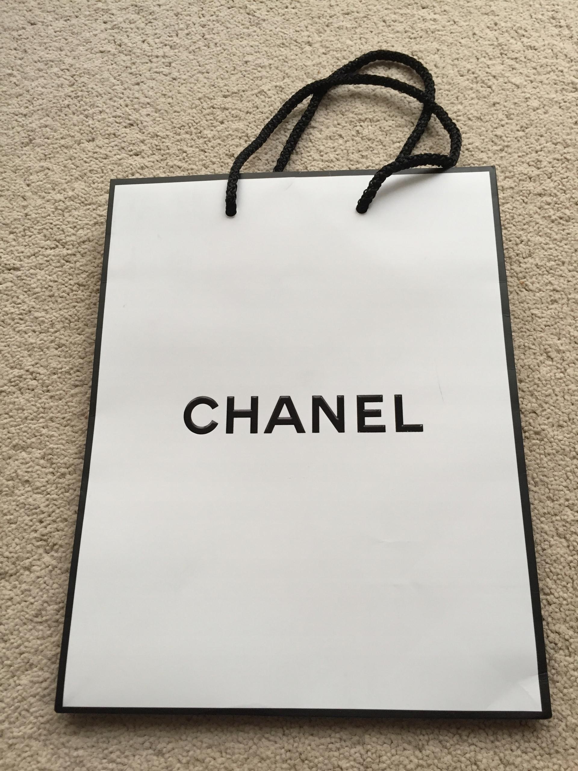 4a7533557d4e1 Chanel mała papierowa torebka prezentowa - 7469939946 - oficjalne ...