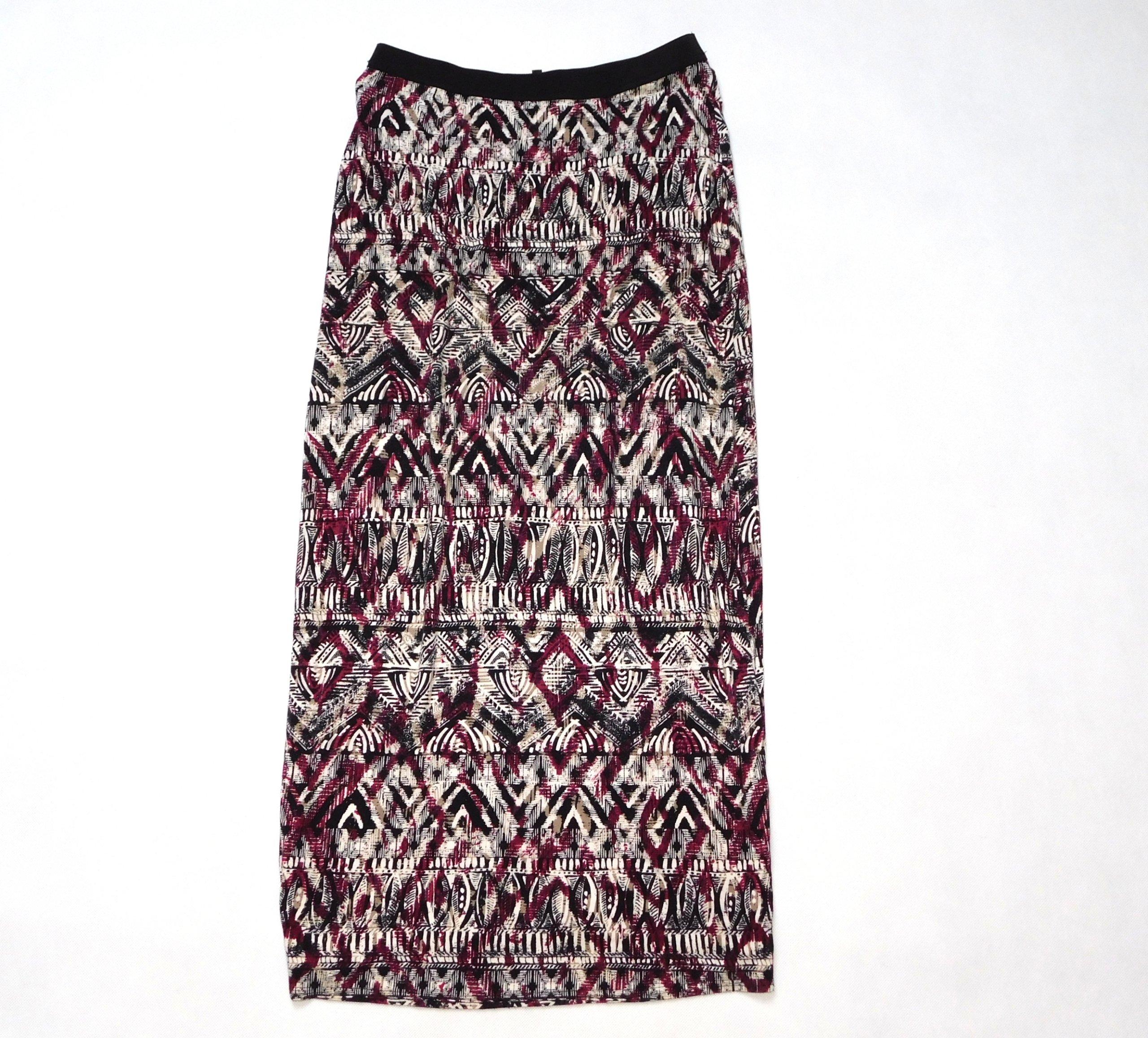 Czarno biała spódnica maxi w liście