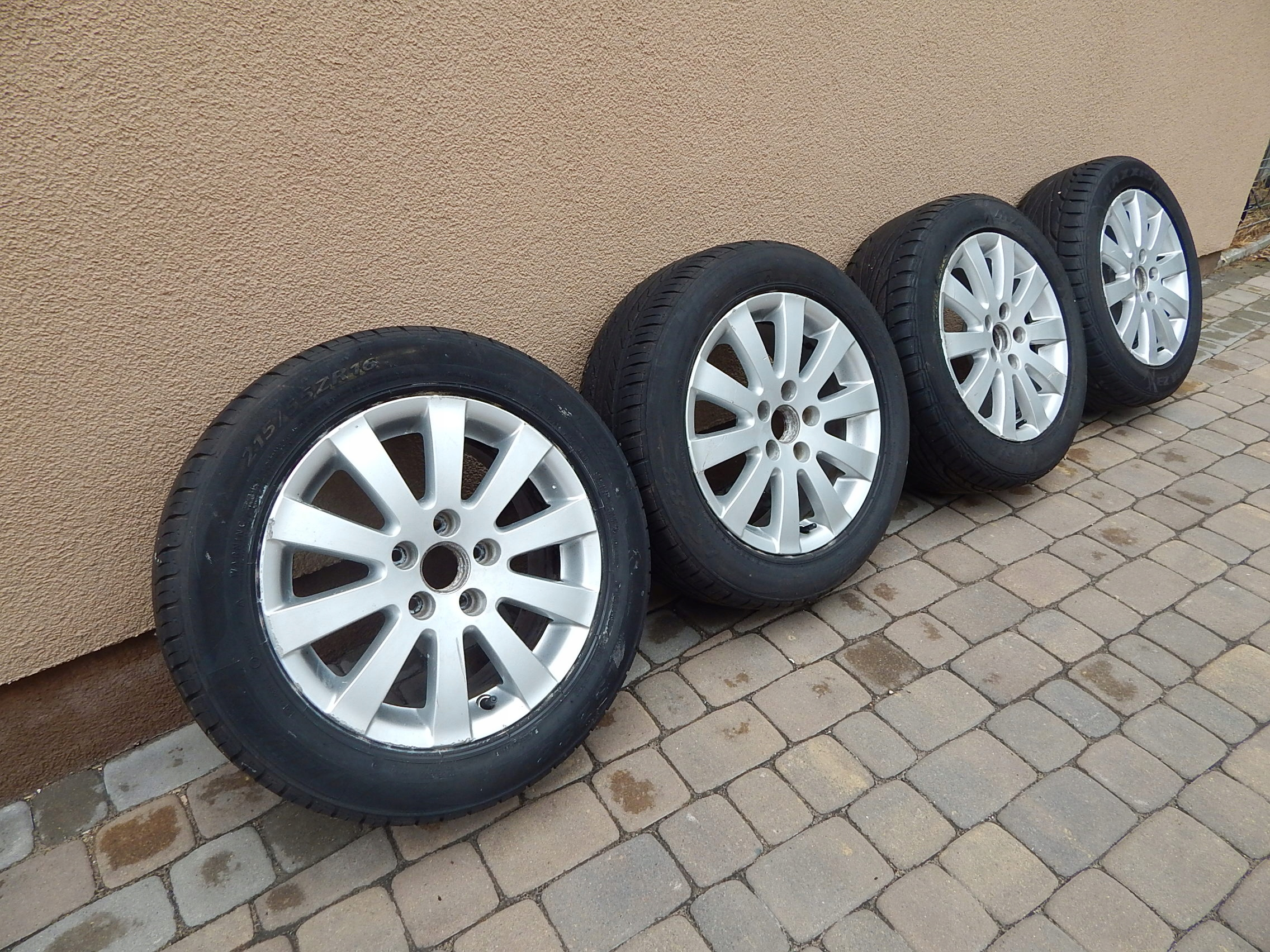 Tylko na zewnątrz VW Passat B6 - felgi aluminiowe alufelgi+opony 3C0 - 6743987230 OT46