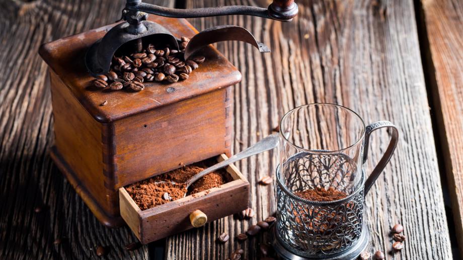 Dobieramy grubość mielenia kawy do sposobu jej parzenia