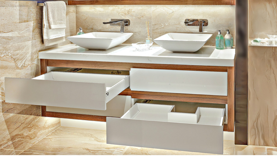 Szafka umywalkowa z szufladami – praktyczne rozwiązanie w łazience