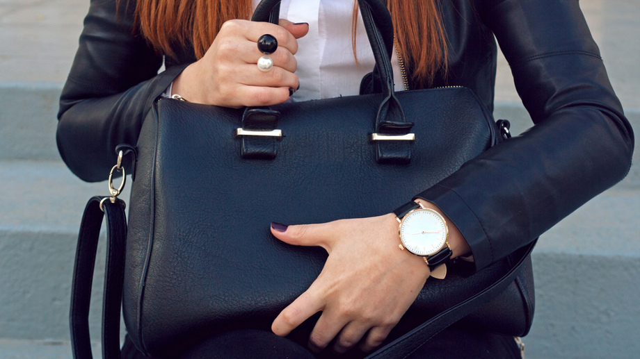 Damskie zegarki biznesowe – elegancja na najwyższym poziomie