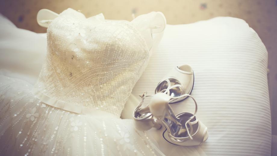 Klasyka Z Pazurem Wybieramy Sukienkę Na ślub Cywilny Allegropl