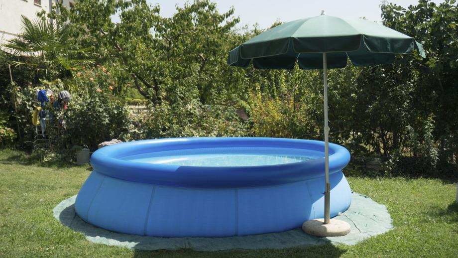 Jak zadbać o basen ogrodowy?