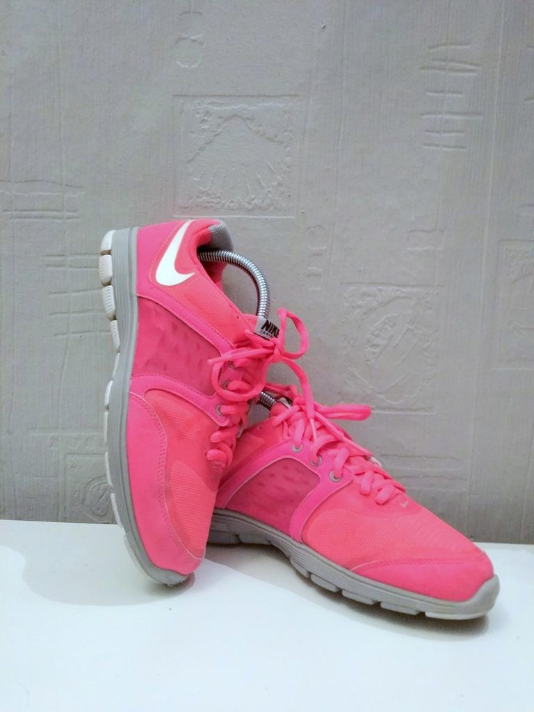 Nike różowe buty do biegania rozmiar 38,5