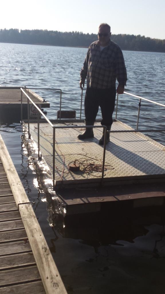 Pomost wędkarski - platforma do łowienia, łódź