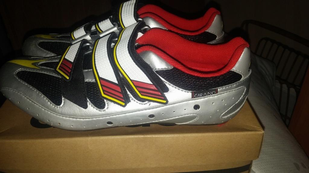 Buty kolarskie marki Adidas Girano