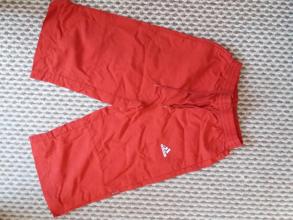 Spodenki adidas za kolano czerwone