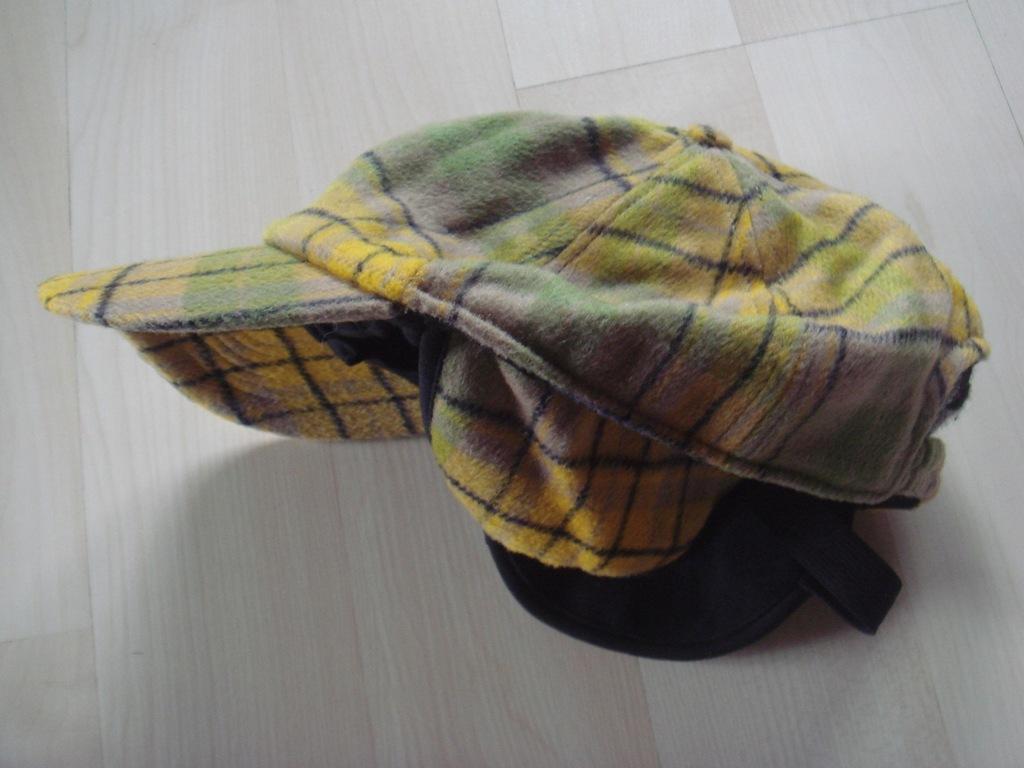 C&A gruba ciepła czapka wełna w kratę 4-8 lat