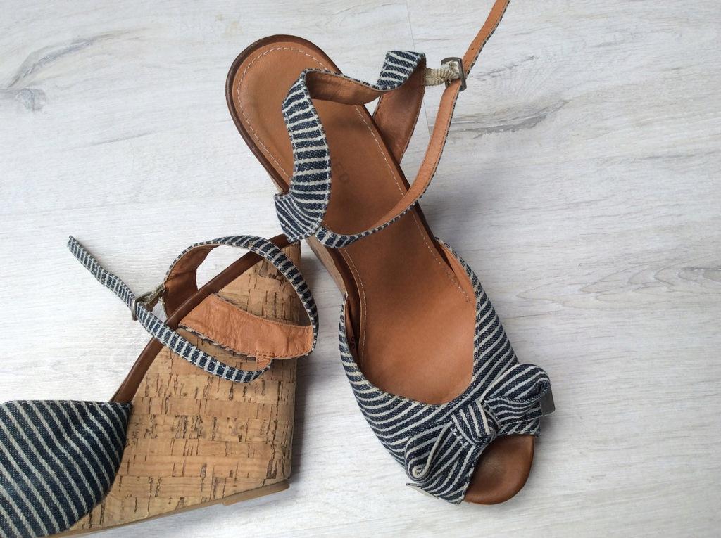 buyy sandały na koturze dla 13 latek