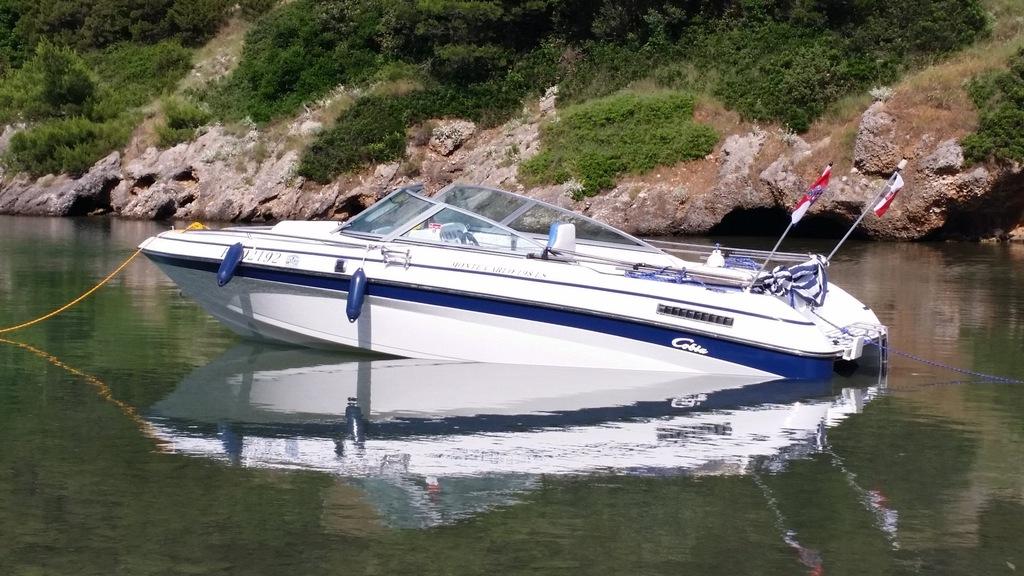 Motorówka yacht 4.3 mercruiser