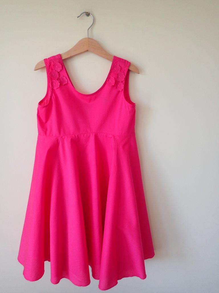 Benetton śliczna różowa sukienka na lato jak nowa