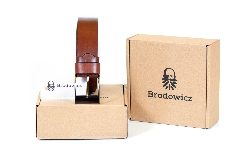 519a73ff7ef3e7 Pasek jest zapakowany w estetyczne i eleganckie pudełko z logo producenta,  idealnie nadaje się na prezent. Posiada 24 miesięczną gw. producenta.