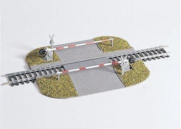 Piko 55725 Железнодорожный переезд с дамбами