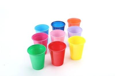 Чашки стаканчики цветные 200мл пластиковые 100 ??